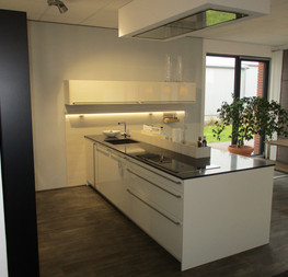 k che creativ kcv vertriebs gmbh 55543 bad kreuznach k chenb rse24. Black Bedroom Furniture Sets. Home Design Ideas